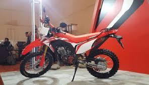 pt astra honda motor meluncurkan motor trail honda crf 150l untuk pasar indonesia serpong