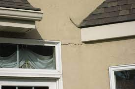 7 signs of a stucco leak water