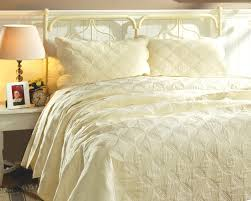 amelia matelasse light yellow quilt set
