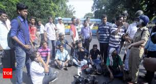 - By News Times Covering Up Agitation Kolkata Cops The Journalists Left India Front Beaten Of