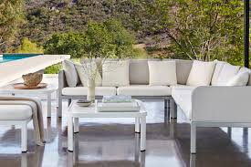 designed for fort and versatility allows pelling and functional gathering area for family and friends elegant powder coated aluminum fr is tautly