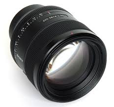 sony 85. sony fe 85mm f1,4 front oblique view 85 e