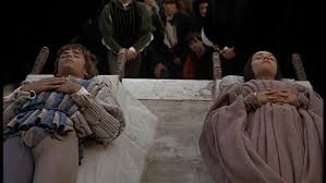 Romeo And Juliet Death Scene Finally In The Last Scene Of Act 5 In Romeo And Juliet Romeo Finds