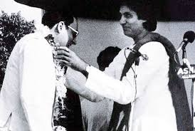 amitabh Bachchan politics: How he was kicked out of Congress