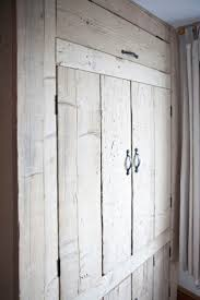 Ready Assembled Bedroom Furniture Uk 17 Best Ideas About Pallet Wardrobe On Pinterest Diy Wardrobe