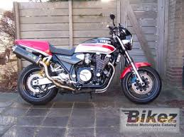 1999 <b>Yamaha XJR 1300</b> specifications and pictures