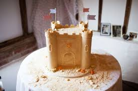 Sandcastle Wedding Cake Image Credit Navyblur Artcardbookcom