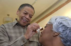 reggie wells oprah winfrey s makeup artist for over two decades puts makeup on dorothy lievers 65 algerina perna baltimore sun photos