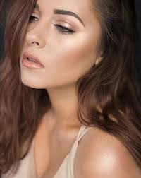simple bronzey and glowy makeup