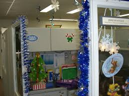 office decorating themes. Magnificient Christmas Office Decorating Themes Design : Simple 6676 40 Fice Ideas All About C