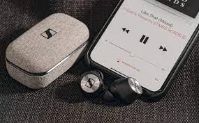 Top 6 tai nghe true wireless đáng mua năm 2020