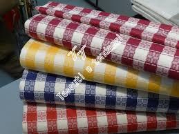 Tovaglie già confezionate e vastissima scelta di tessuti classici
