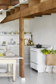 Airy And Neutral