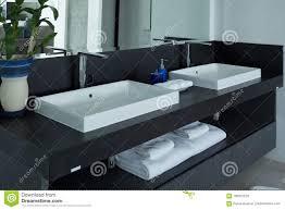 Modernes Badezimmer Waschbecken Im Badezimmer Stockfoto Bild Von