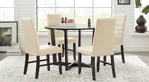 How To Choose Chairs For Your Dining TableDining Room Table With Bench Seats