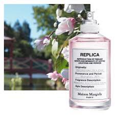 <b>REPLICA Springtime</b> in a Park | <b>Maison Margiela</b>