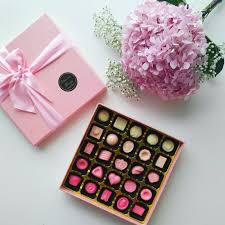 a box of chocolate gift with personalizable shade of pink touch personalised gifts marketplace