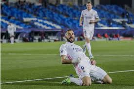 Assisted by gonzalo castro with a cross. Real Madrid 2 0 Borussia Monchengladbach Benzema Seals Champions League Progress To Spare Zidane