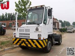 Sinotruck Yard Spotter Truck Hova Lng 6 Wheeler Terminal Tractor