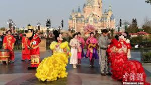 shanghai disneyland received 11 million visitors in first year