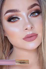 description prom makeup