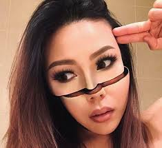 pre teacher quits job to bee an optical illusions makeup artist and her work
