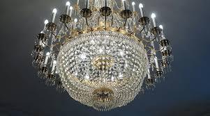 classic chandeliers vs modern chandeliers