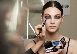 fall 2018 hottest runway makeup trends