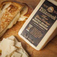 tillamook cheese 3 year vine white extra sharp cheddar 18 oz