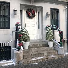 experience gift ideas for the holidays steps decor nyc brownstone helena of