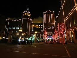 Anheuser Busch Holiday Lights Anheuser Busch Brewery St Louis 250 Years 250 Cakes And