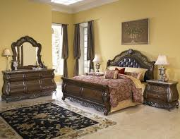 Amazing Queen Bedroom Furniture Sets For King Hearted People