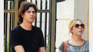 Carla Peterson y Martín Lousteau, de paseo con su hijo Gaspar - Ciudad  Magazine