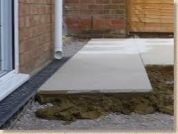 laying ceramic paving