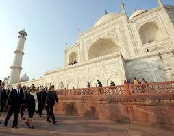 u s department of defense photo essay  u s defense secretary robert m gates and his wife becky tour the taj mahal in