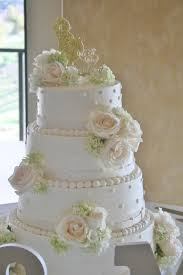 White Wedding Cake Flowers In Riverside Ca Willow Branch Florist Of Riverside