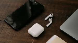 Apple AirPods chiếm 60% thị phần tai nghe không dây