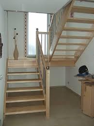 Mit podest am hauseingang oben, zwischenpodest oder vorbaubalkon ab 108 cm bis balkongröße 216 cm länge. Schmidschreiner Treppen