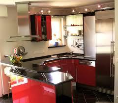 Inspirierende moderne kleine Küche design mit schwarz mini bar