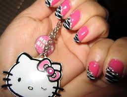 18 Super-Cute and Easy Nail Art Ideas - Womanmate.com