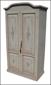 Armadio in legno massello dipinto e decorato a a mano mobili
