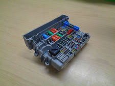 bmw 1 series fuses fuse boxes bmw 1 series e87 fuse box 6906607