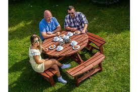 round garden picnic table for 8 people