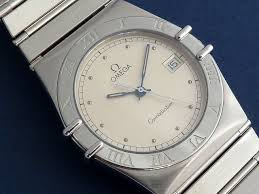 omega constellation quartz c 1989 secondhand and vintage watches omega constellation quartz c 1989