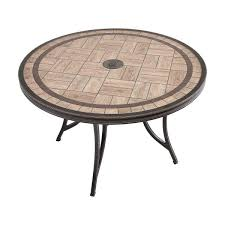 in round patio dining table