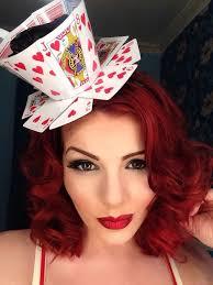 How to make a Queen of Hearts teacup fascinator from playing cards |  ไอเดียชุดแฟนซี, แฟชั่นเด็ก, ชุด