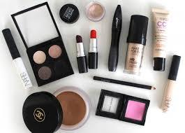 ten must have makeup s you should keep in your handbag