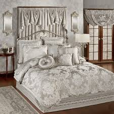 extra large king size quilts bedspreads for beds with footboards incredible bed comforter sets