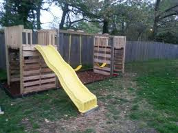 DIY Playground made from pallets by my mom (@Vetta Link) and grandpa for