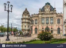 Coimbra/Portugal - 04 04 2019: Ansicht der klassischen Gebäude mit Banco de  Portugal, der portugiesischen öffentlichen Bank, in Coimbra Stockfotografie  - Alamy